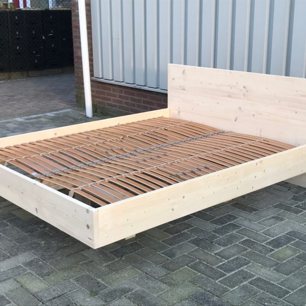Zwevend 2 persoons bed